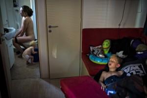 søren bidstrup, la famiglia del fotografo la mattina presto durante una vacanza a Jesolo