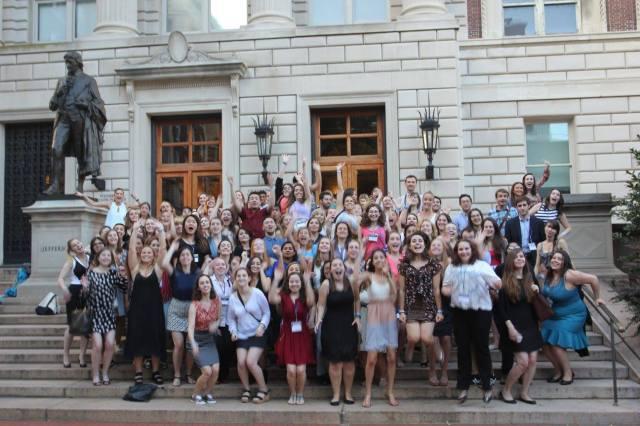 foto di gruppo alla fine del Columbia Publishing Course 2015, di fronte alla scuola di giornalismo. Io sono tra quelli alti in ultima fila.